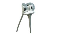 根據缺損范圍有不同的柄長、不同墊圈厚度的假體可供選擇,與脛骨連接為可旋轉模式,可以確保局部軟組織切除后膝關節的穩定性。